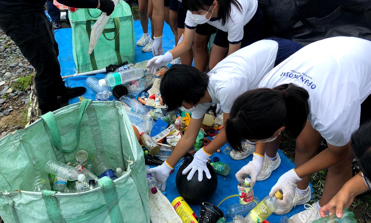 大船越中学校海岸清掃